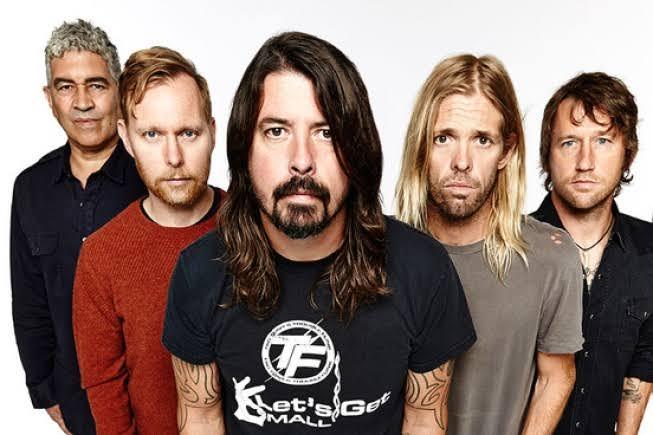 Foo Fighters faz show para 20 mil pessoas em Nova York