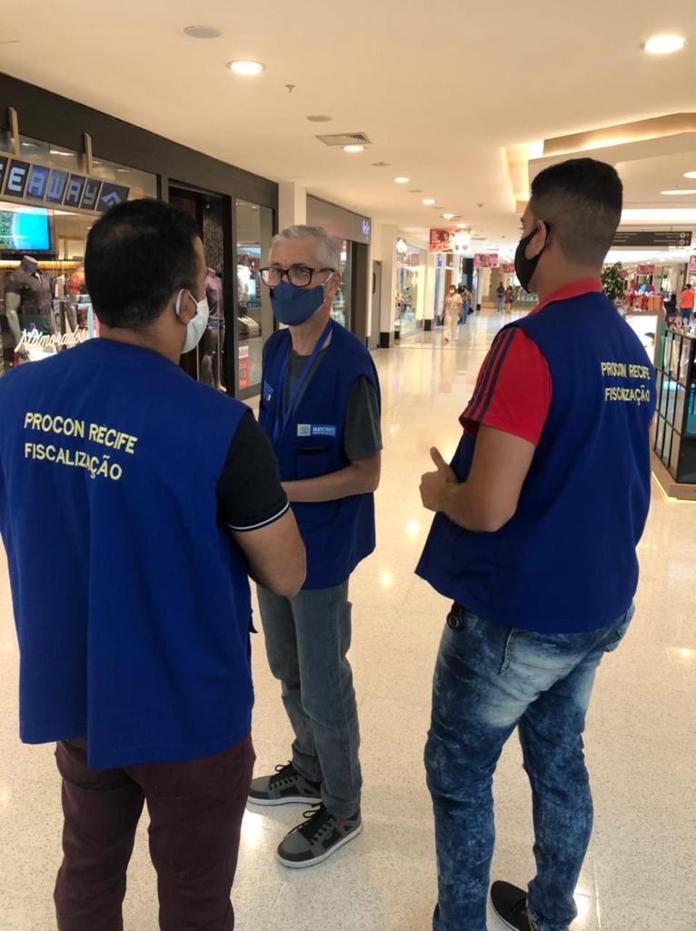 Procon Recife realiza pesquisa para o Dia dos pais